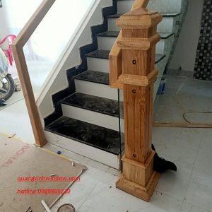 cầu thang kính và gỗ cái nào rẻ hơn?